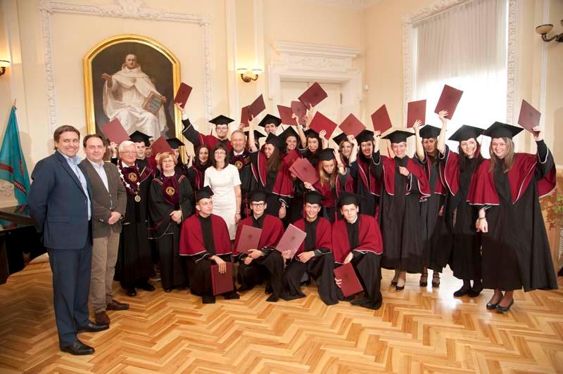 2014 m. diplomų teikimai