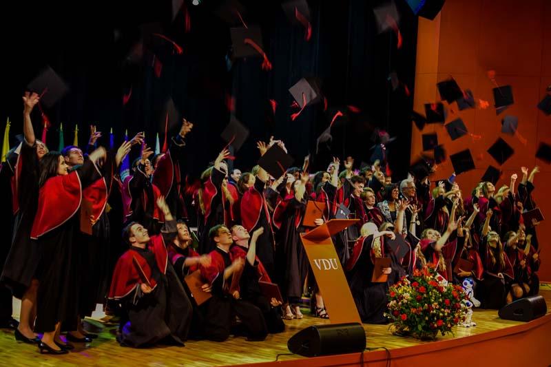 2016m. diplomų teikimai