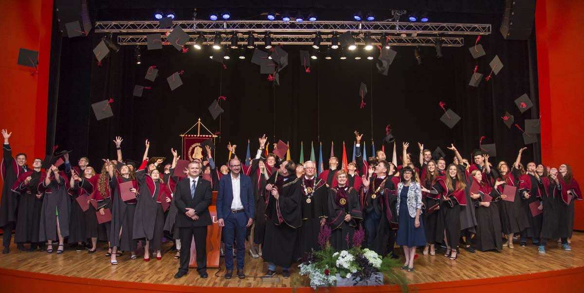 2018m. diplomų teikimai