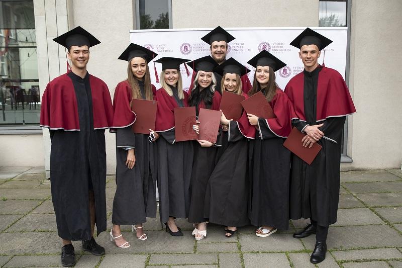 2020 m. diplomų teikimai